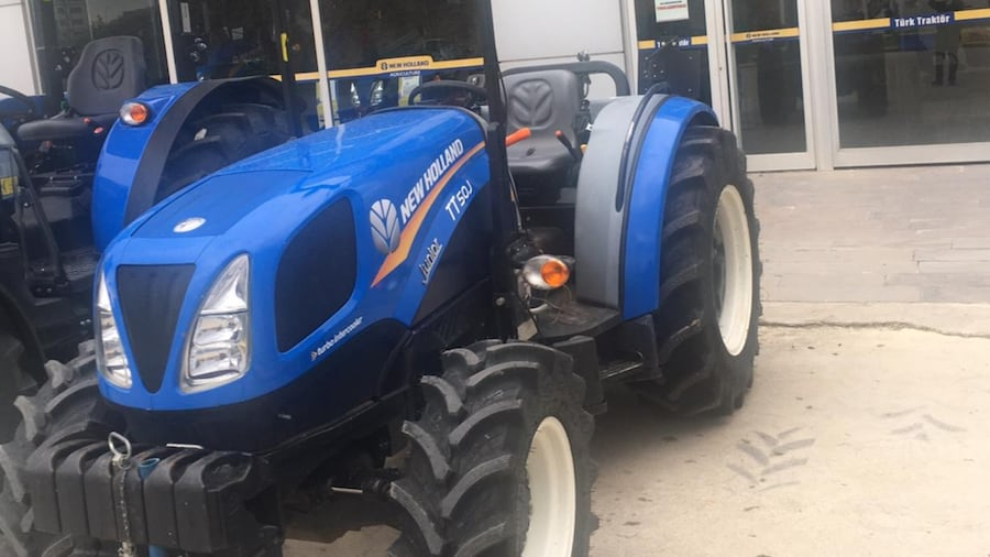 NEW HOLLAND TT50J JUNiOR  f0a1a9c3-1151-423d-a9ce-6b3bd17e1b88