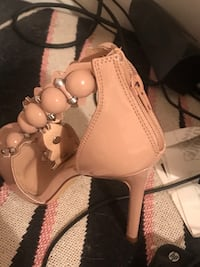 heel shoes size 8 New Port Richey, 34653