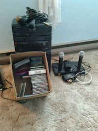 Karaoke machine with 5 microphones Abbotsford, V2S 3A7