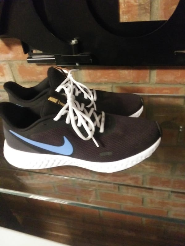 Brand new size 10 nike and underarmor size 10 40 each 1f684459-e25b-4823-bb93-5504947caebd