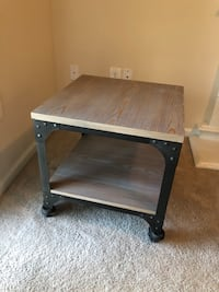 Franklin coffee and accent table Ashburn, 20147