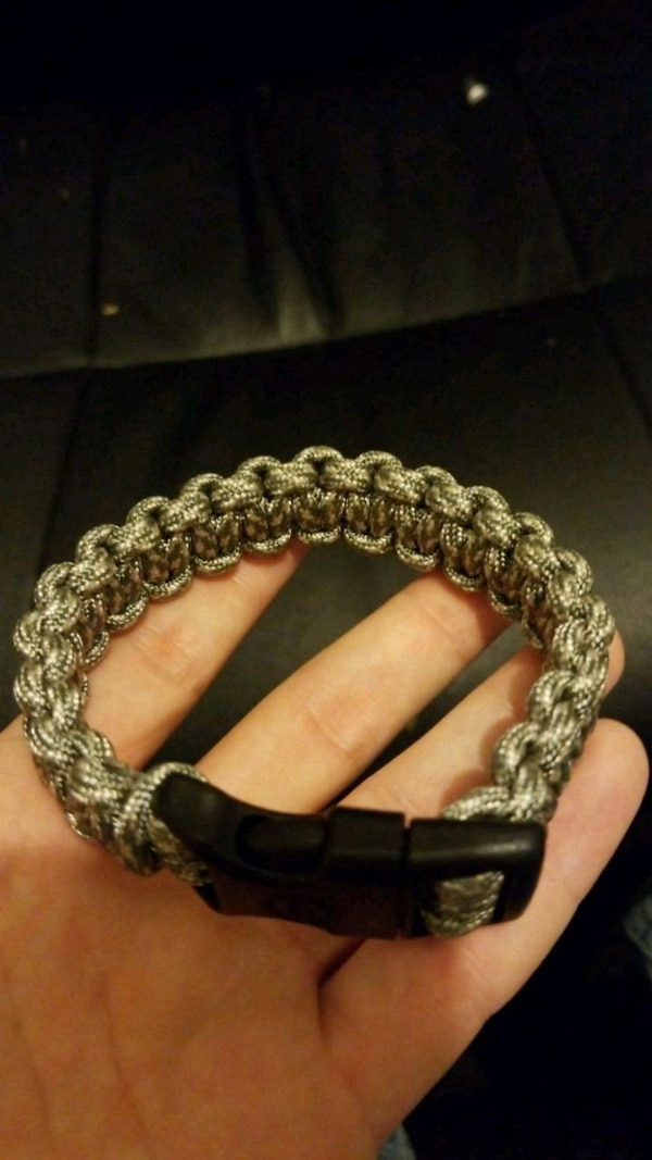 gray and beige paracord bracelet