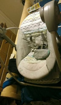 baby's white and gray cradle n swing Sacramento
