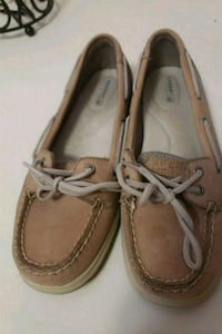 Sperry topsiders size 9  West Des Moines, 50266