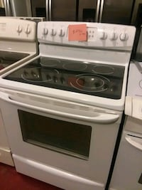 Kenmore stove electric excellent condition 4months warranty 5 burners