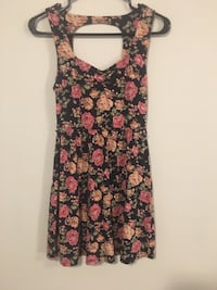 navy blue with floral print dress Calgary, T3J 1P9