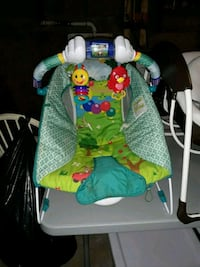 baby's green and white bouncer Gaithersburg, 20882