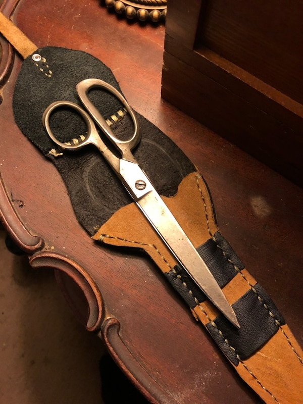 Antique scissors w/handmade sheath!
