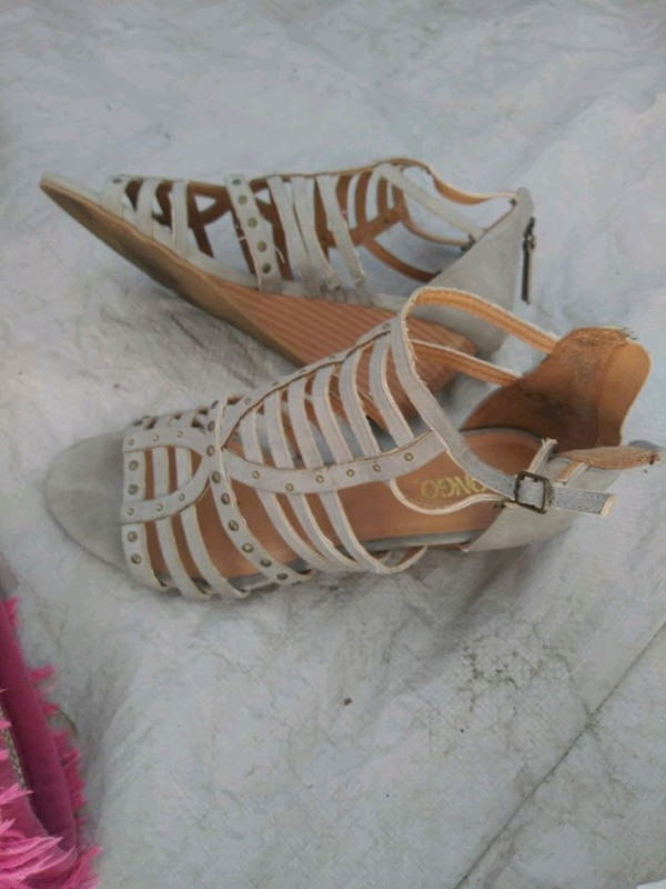 Pair White Leather Of Sandals Brown And PXuiOkZT