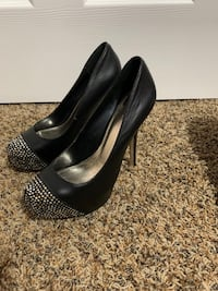 Great condition high heels size.7-7.5 Markham, L6B 0P1