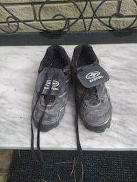 Easton Ball cleats size 10/10.5 ok condition Hamilton, L0R 2H4