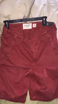 Men's red Abercrombie & Fitch  shorts