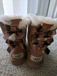 brown-and-white (toddler) UGG boots Washington, 20020