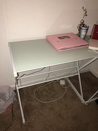 L shaped desk; great condition