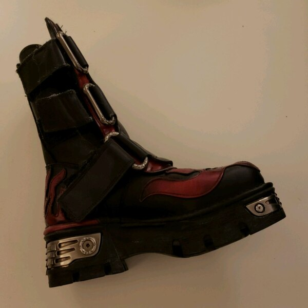 New rock boots size UK39  65b5b0d0-69ae-4e7a-8c85-e95240ad28f4