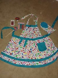 Apron, oven mitt, candles sprinkles