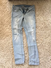 American Eagle Ripped Jeans Calgary, T2Y 2W4