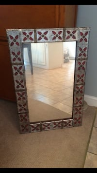 rectangular white and black wooden framed mirror Purcellville, 20132