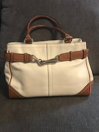 Authentic Coach leather bag Mississauga, L5V 1S3