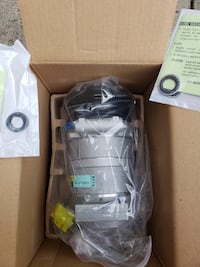 ***BRAND NEW***!A/C compressor for 96-05 Chevrolet Van Toronto, M2N