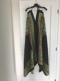 Beautiful rayon dress. Straps tie around back and neck. Montréal, H4V 2L2