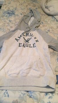 white and grey American Eagle pull over hoodie Colwood, V9C