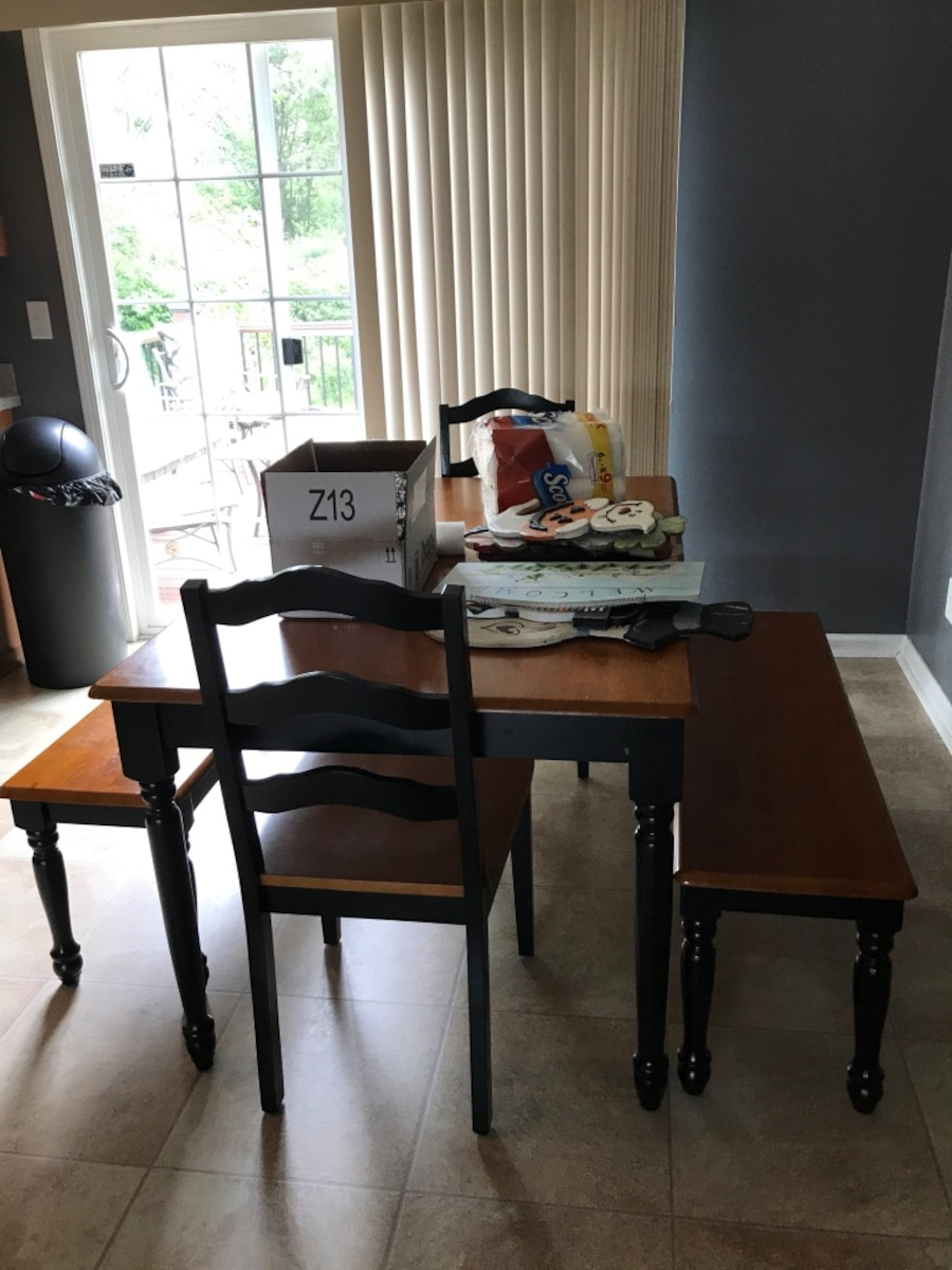 Black And Yellow Wooden Dining Room Set In Cicero Letgo