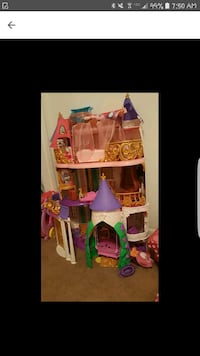 Sofia the first castle Hendersonville, 37075