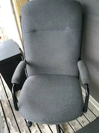 Office chair in great shape & extra comfy Ottawa, K1C 4R4