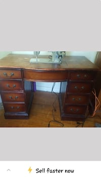 Antique sewing machine w/table