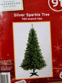 6ft silver sparkle Christmas + 3 sets of lights Toronto, M1M 2W5