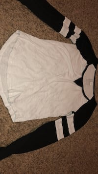 white and black scoop-neck long-sleeved shirt West Point, 84015