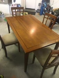 Wood table with 4 chairs Oceanside, 92056