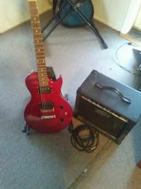 Red S101 guitar with Peavey amp Independence, 64055
