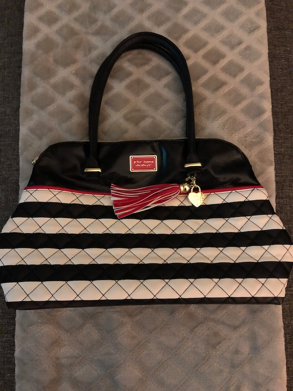 Betsy Johnson bag  29d69d69-8f9d-431b-b22f-58c046ade96c