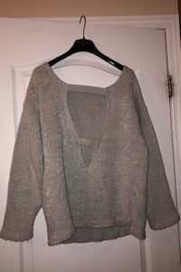 Open back sweater Laval, H7W 5M9
