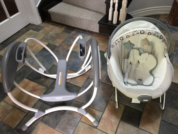 Graco glider elite baby chair and gliding swing excellent condition