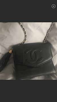 Vintage Chanel chain strap bag  Lancaster, 93534