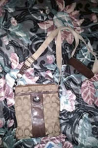 Coach brown/creme side over shoulder purse/bag London, N6H 1M9