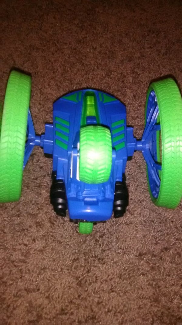 Remote control toys and other toys 79011e05-8613-4347-9293-65364dbce8fe