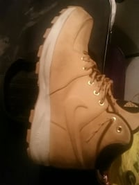 Nike boots mint shape  Winnipeg, R3A 0K2