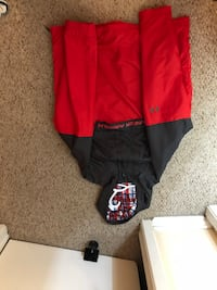 Red and grey under armour wind breaker  Toronto, M1B 1Z5