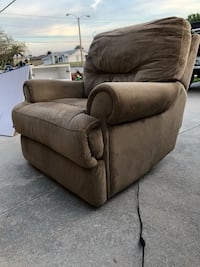 Two soft fabric electric recliner chairs Cape Coral, 33990