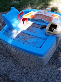 Little tikes scoop sand box with or without sand obo