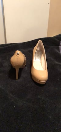 *NEW* MICHAEL Michael Kors Nude Patent Leather Pumps Highland Park, 08904
