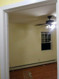 1 Room for Rent& share bth and kit in Brentwood.  Brentwood, 11717