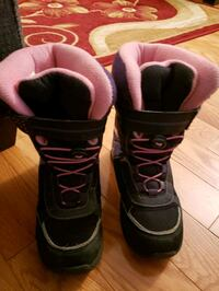 Size 2 youth winter boots Brampton, L6X 4G2