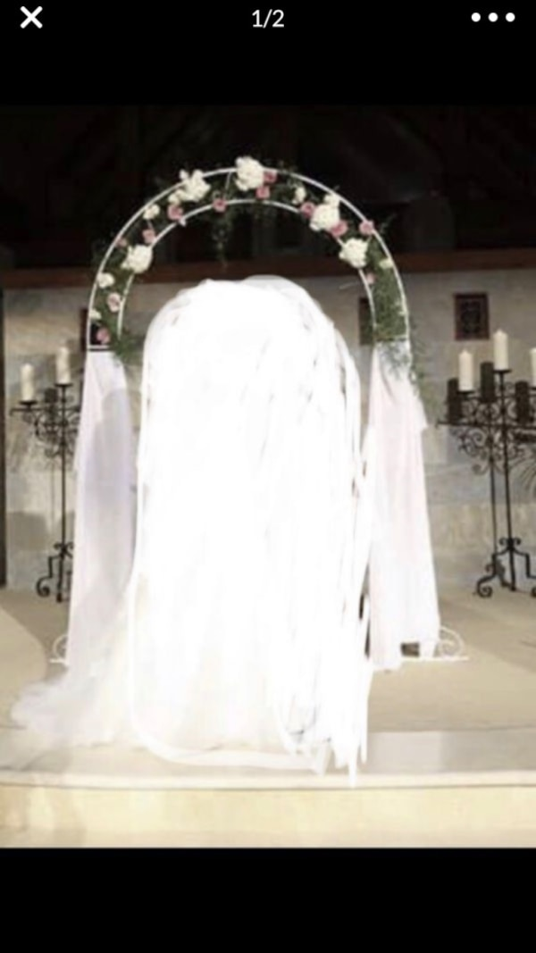 80c97eb2b22 Used Beautiful ornate steel wedding arch for sale in Riverside - letgo