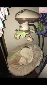 baby's white and gray cradle and swing Tampa, 33634