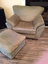 Lazyboy chair and ottoman Rogers, 72758